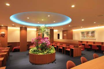 宮崎空港、カードラウンジ「ブーゲンラウンジひなた」をオープン セブン-イレブンも