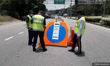 Police: Special lane for frontliners at roadblocks
