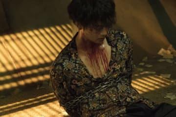映画『太陽は動かない』より。竹内演じる新人エージェントの田岡 - (C)吉田修一/幻冬舎 (C)2020「太陽は動かない」製作委員会