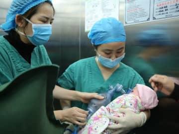 新型コロナウイルスは妊婦から胎児へ感染する可能性も―仏メディア