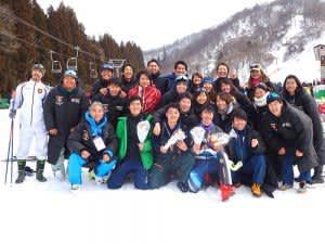 有終の美を飾った選手たち=スキー部提供