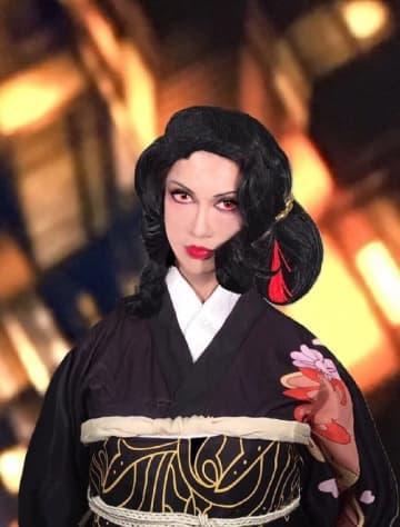 叶美香、姉・恭子の『鬼滅の刃』鬼舞辻無惨コスプレを披露「私達のお着物の装いとは違う完全無惨風」