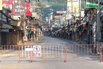 Patong remains closed, to fight the coronavirus outbreak. (Photo: Achadtaya Chuenniran)