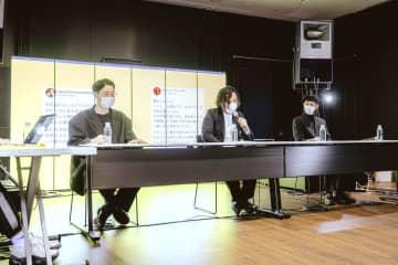 中止したイベントの補償について、記者会見する篠田ミルさん(左)ら音楽関係者=31日、東京都内(Leo Youlagi撮影)