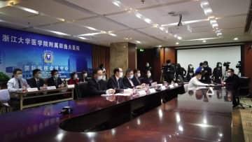 中国の病院、感染との闘い方をビデオ会議で世界と共有