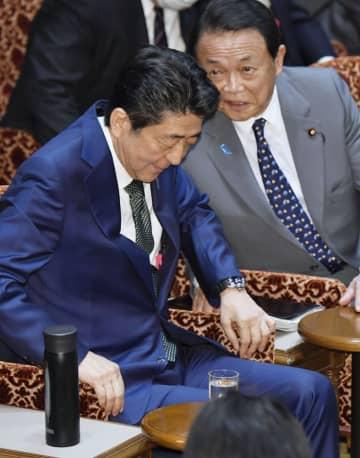 3月27日の参院予算委。首相も財務相も赤木さんの自死に深く思いを致している様子はない