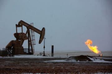 原油先物、四半期・月間ベースともに過去最大の下落