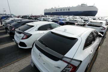 Cars await shipment at Laem Chabang port. The JSCCIB says Thailand's overall exports likely declined by 44 billion baht in February alone. Patipat Janthong