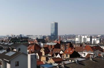 新型コロナ、ベルギーで12歳の少女死亡 欧州最年少の死者か