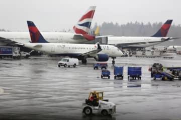 米運輸省、航空各社に最低運航便数の義務付け提案 支援の条件に
