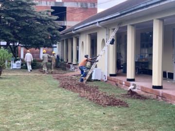 中国企業が支援した新型肺炎治療施設が完成 ジンバブエ
