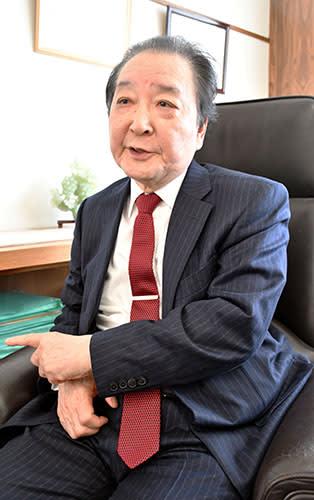 本県医療界の第一線から退く考えを明らかにした嘉山孝正氏=山形大医学部