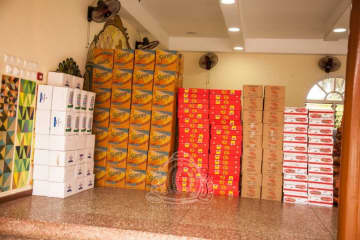 Otumfuo Distributes Ghc1m Worth Food…To Help Needy