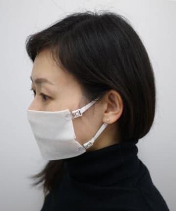 助かる! ガーゼやクロスが即マスクになるストラップ「なんでもマスク」発売 画像