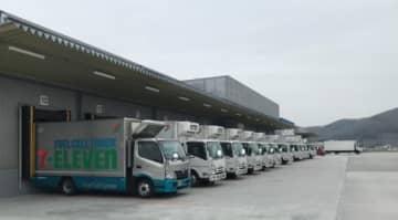 セブン‐イレブン/栃木県で燃料電池トラックの配送実験開始