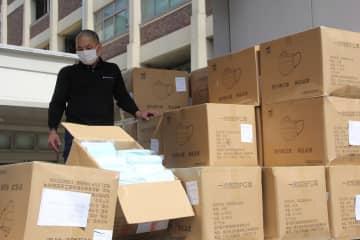 中国国内で調達し、横浜市役所に届いた130万枚のマスク