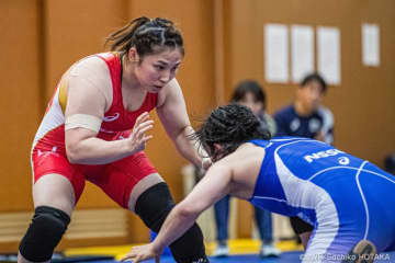 Dosho beat Morikawa, 3-1 (photo by Sachiko Hotaka)