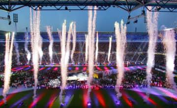 2005年、ドイツのデュイスブルクで行われた第7回ワールドゲームズの開会式で打ち上げられた花火(AP=共同)