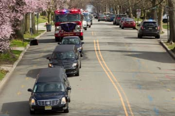 N.J. firefighter's funeral finds new sorrow amid coronavirus social distancing (PHOTOS)