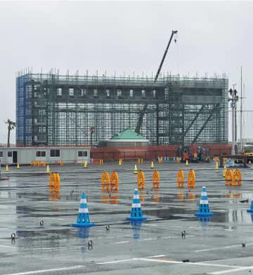 ヨットの移動が済み、仮設施設の建設が進む江の島ヨットハーバー