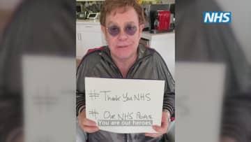 医療関係者への感謝を伝える動画に出演したエルトン・ジョンさん(英PA通信=共同)