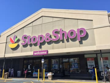 Stop & Shop pledges 5,000 meals daily for healthcare workers, including Westwood hospital