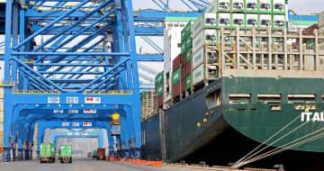 中国主要港湾の貨物取扱量、経済活動再開で急増