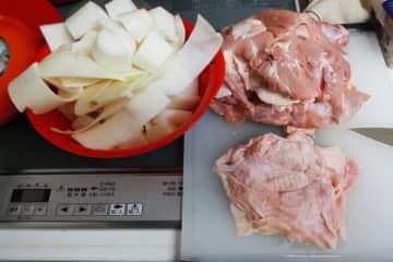 最強に使える引きこもり料理『鳥大根』が便利すぎる 材料2つでさまざまな味に変化