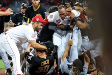 両軍合わせて6選手が退場になった大乱闘が再び話題に…【写真:Getty Images】