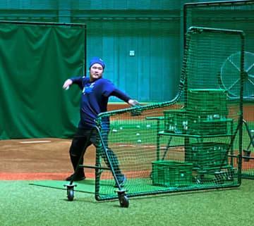 「投げるおかわり」に源田「打撃投手いけます」西武自主練習再開