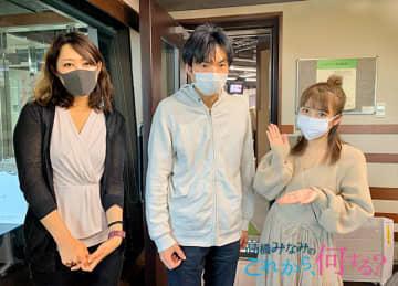 左から、REINAさん、森田鉄也先生、高橋みなみ