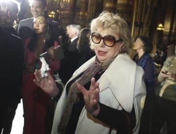 パリで写真撮影に応じるマリアンヌ・フェイスフルさん=2013年3月(AP=共同)