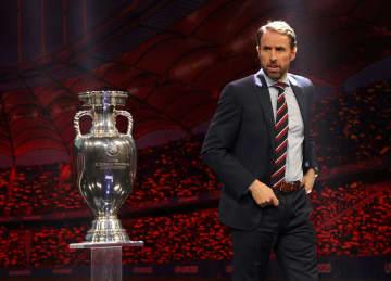 2019年11月、欧州選手権の組み合わせ抽選でのイングランド代表のサウスゲート監督=ブカレスト(ロイター=共同)