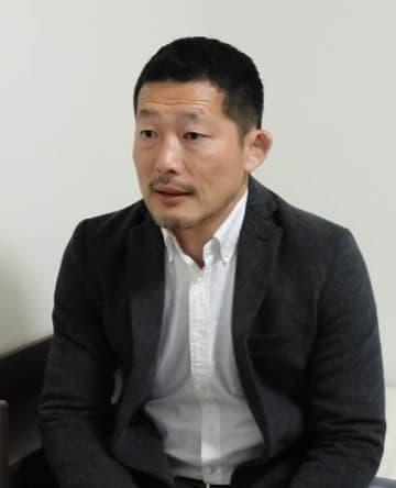 ビデオ・インタビューに答える東日本学生連盟・吉本収理事長(神奈川大監督)=本人提供