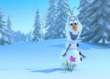 映画『アナと雪の女王』よりキュートなオラフ - Walt Disney Studios Motion Pictures / Photofest / ゲッティ イメージズ