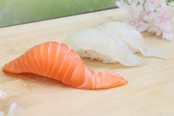 くら寿司『桜鯛VSサーモン』フェア 4月10日(金)から全国で期間・数量限定販売