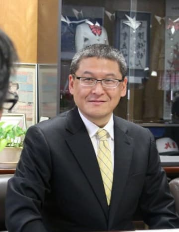 共生高eスポーツ部のチームドクターを務める神田教授
