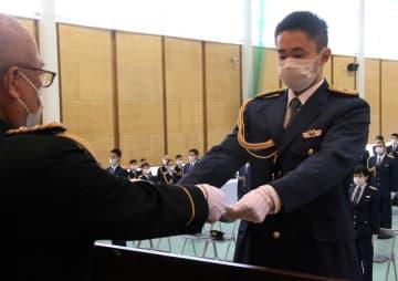 長崎県警察学校入校式 「公平忠誠」誓う