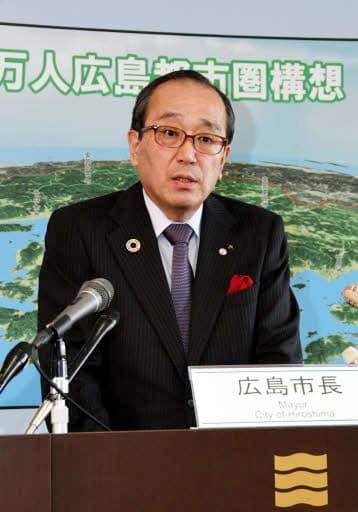 平和記念式典の規模の縮小を検討すると語る松井市長