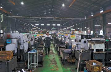 共栄製作所の工場内