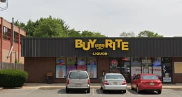 The Buy-rite liquors in Piscataway where a $190 million Powerball ticket was sold for Wednesday night's lottery drawing (Google/)