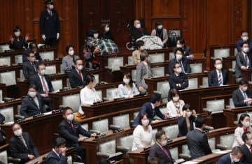 国会の本会議場でも「密集」回避。参院では席を空け、衆院では議員数を抑制へ(新型コロナ)