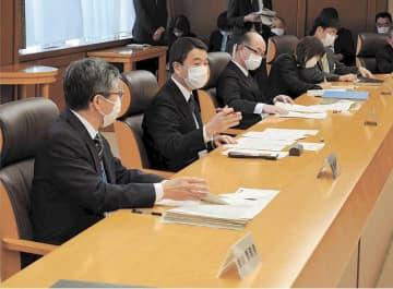 対策本部会議で指示を出す村井知事(左から2人目)