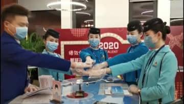 「都市封鎖」解除後初の旅客便、武漢天河空港に到着