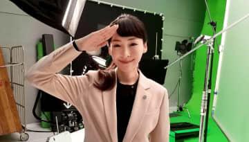麻生久美子、『イケメン俳優』を前に、恋する乙女の顔に?「私もファンなので…」と、思わず赤面