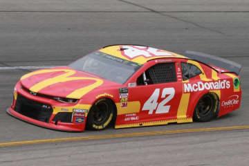 NASCAR:eスポーツで人種差別発言のカイル・ラーソンが解雇に。マクドナルドも契約解除