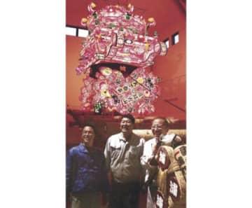 大行燈第1号が完成 小矢部・津沢ふれあい会館で通年展示 30日の開館前に