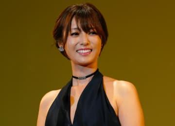 深田恭子、オトナの色気漂うビキニ姿を披露…史上最高の『美ボディ』にファンも釘付け
