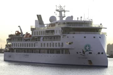 Cruise ship's doctor pressured to edit coronavirus health form, safety officer fired