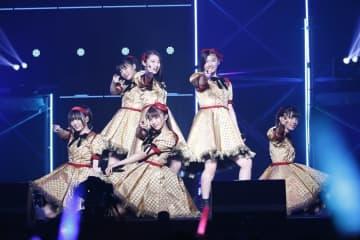 エビ中、武道館での現体制メモリアルライブを初の実況生中継!